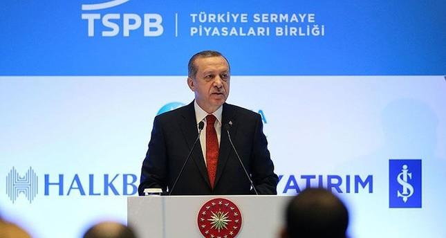 أردوغان يدعو النظام المالي العالمي للتركيز على التربح من الاستثمار وليس من الفائدة
