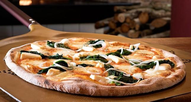 Italian art of pizza twirling seeks to join UNESCO