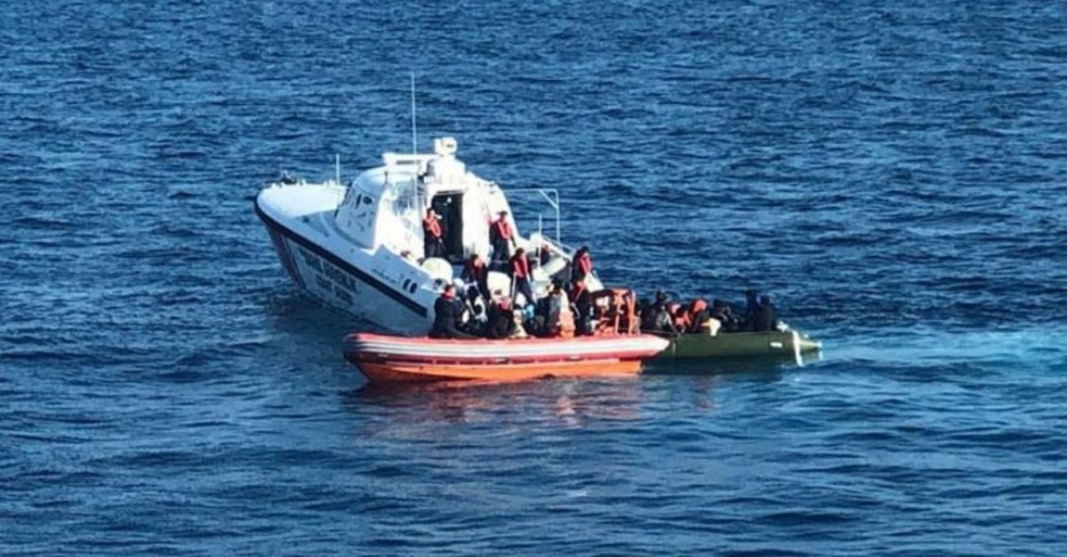 Turkish coast guard units captured 60 irregular migrants in the Aegean off the coast of Kuu015fadasu0131 district in Aydu0131n province, western Turkey. (DHA Photo)