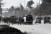 Bei einem Selbstmordanschlag auf eine Kirche in Pakistan sind nach Behördenangaben am Sonntag mindestens fünf Menschen getötet und 15 verletzt worden. Ziel der beiden Selbstmordattentäter sei die...