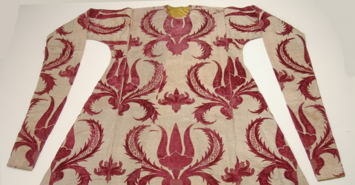 Many rare works like the kaftan of sultans are on display at the show.