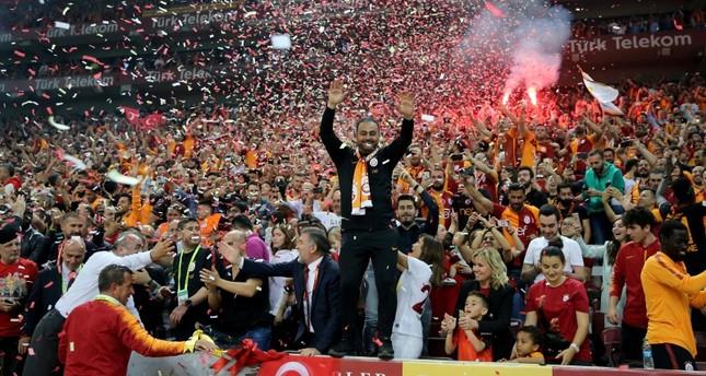 أردوغان يهنئ غلطة سراي بلقب الدوري التركي لكرة القدم