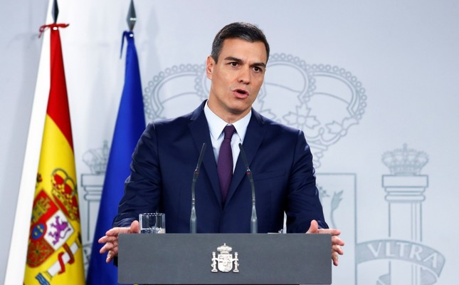 Spain's Prime Minister Pedro Sanchez holds a news conference after an extraordinary cabinet meeting in Madrid, Spain, February 15, 2019. (Reuters Photo)