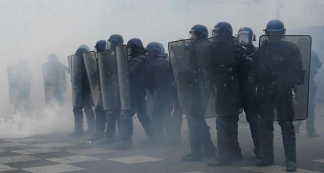 تظاهرات ضد المرشحين للرئاسة الفرنسية تتحول لأعمال عنف