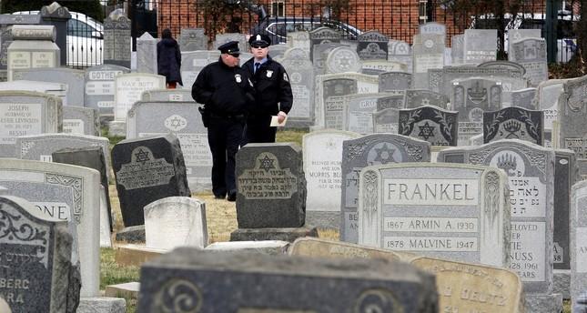 Hoax bomb threats target 20 US Jewish institutions