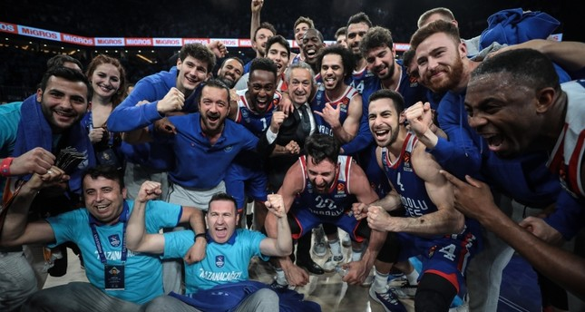 0a545f502 Anadolu Efes advances to Euroleague Final Four - Daily Sabah