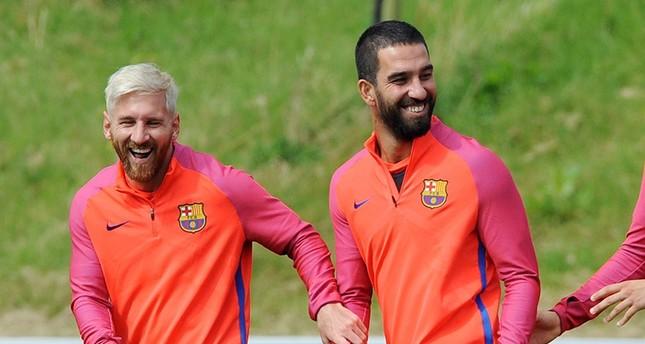 برشلونة يعلن تمسكه بالتركي توران في الموسم المقبل