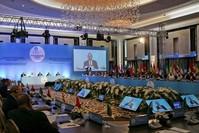 وزير الخارجية التركي مولود تشاوش أوغلو يلقي كلمة أثناء الاجتماع التحضيري الوزاري للقمة الطارئة لمنظمة التعاون الإسلامي في مدينة إسطنبول 18 مايو 2018 (وكالة الأنباء الفرنسية)