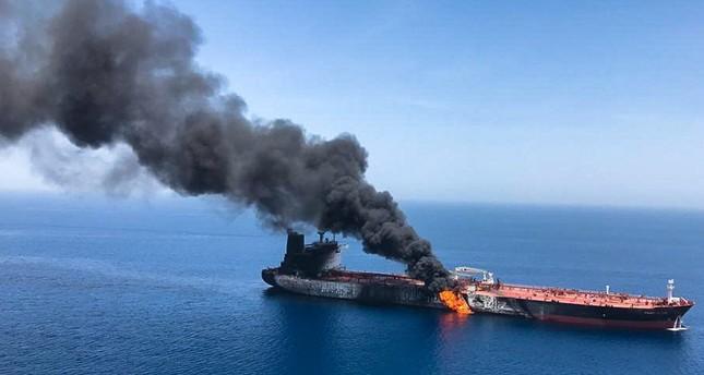 بريطانيا تتهم الحرس الثوري الإيراني باستهداف ناقلتي النفط في خليج عمان