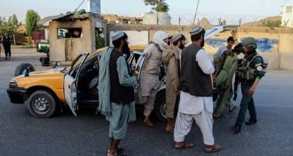 طالبان تسيطر على منطقتين شمالي أفغانستان