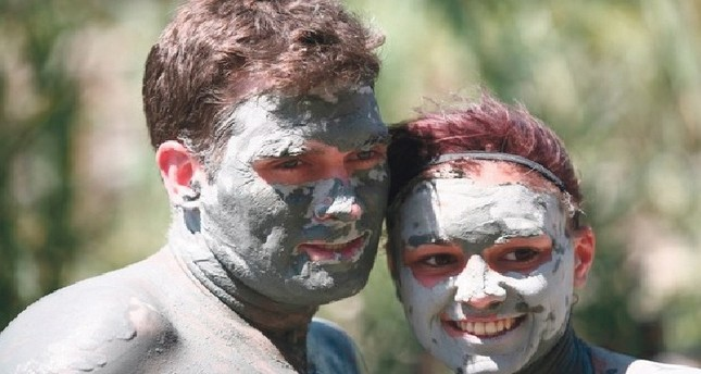 Miracle mud baths bring tourists to Turkey's Muğla