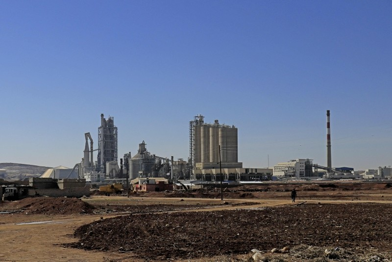 This file photo taken on February 19, 2018 shows a general view shows the Lafarge Cement Syria (LCS) cement plant in Jalabiya, some 30 kilometers from Ain Issa, in northern Syria. (AFP Photo)