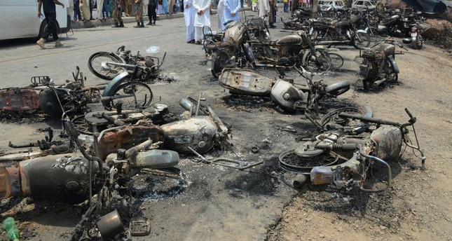 Pakistan: 123 Tote bei Brand von Tanklastwagen