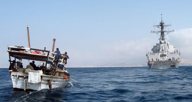 خط بحري لتهريب الأسلحة من إيران إلى الحوثيين عبر الصومال