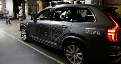 pБеспилотный автомобиль американской компании Uber сбил насмерть женщину в штате Аризона, полиция сообщил в понедельник. Компания приостановила тестирование беспилотных автомобилей после...