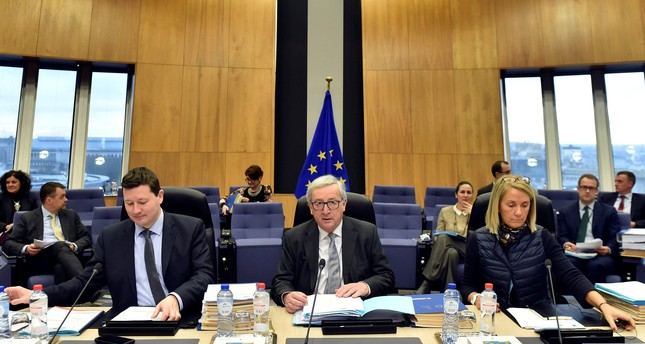 European Commission Secretary General Martin Selmayr, EC President Jean-Claude Juncker and Head of Cabinet of the President Clara Martinez Alberola meet with the College of Commissioners, in Brussels, March 7, 2018. (REUTERS Photo)