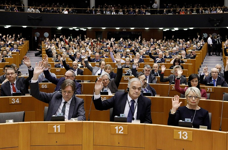 Members of European Parliament vote to decide whether to lift the immunity of French far-right presidential candidate Marine Le Pen after she came under investigation for tweeting pictures of Daesh violence. March 2, 2017. (Reuters Photo)