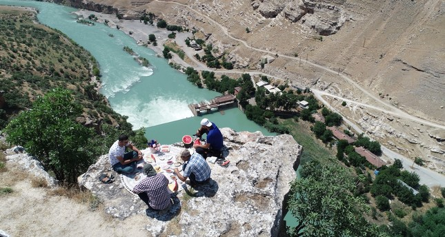 Despite the lack of any protection from a fall off  250 meters, thrill-seekers still visit the spot for breakfast..