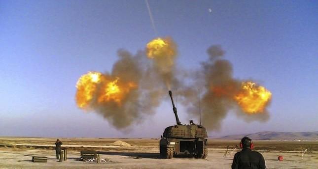 المدفعية التركية ترد على مصادر نيران من مناطق ب ي د/ بي كا كا الإرهابية بسوريا