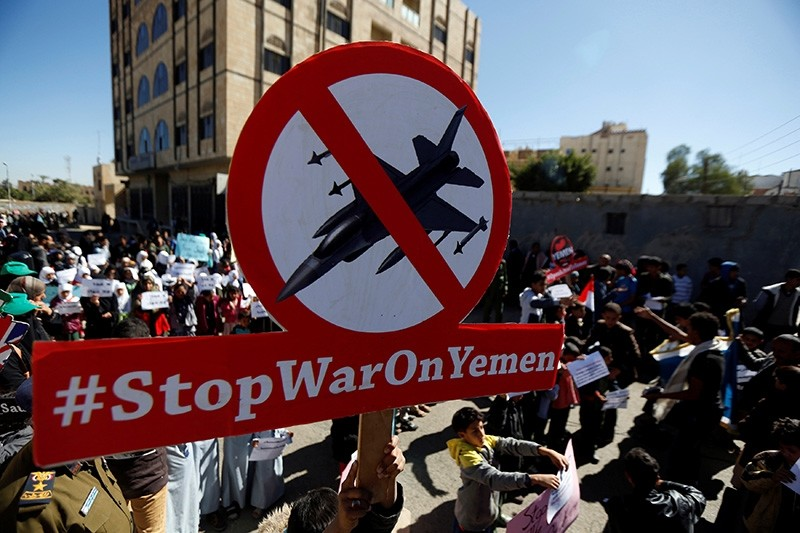 Children protest against the Saudi-led coalition outside the U.N. offices in Sanaa, Yemen November 20, 2017. (Reuters Photo)