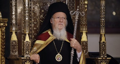 Istanbul patriarch scolds Greek min. over church deal