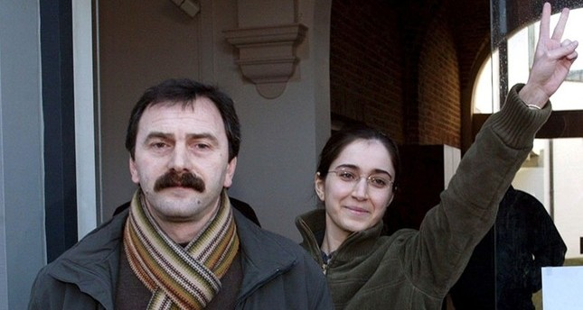This file photo dated Jan. 27, 2006 shows Musa Aşoğlu (L) walking next to Fehriye Erdal, a DHKP-C militant who took part in the notorious 1996 Sabancı murder, while leaving the courthouse in Belgian city of Brugge.