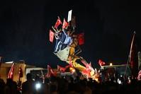 المواطنون الأتراك في الشوارع ليلة 15 يوليو رفضا للانقلاب (الأناضول)