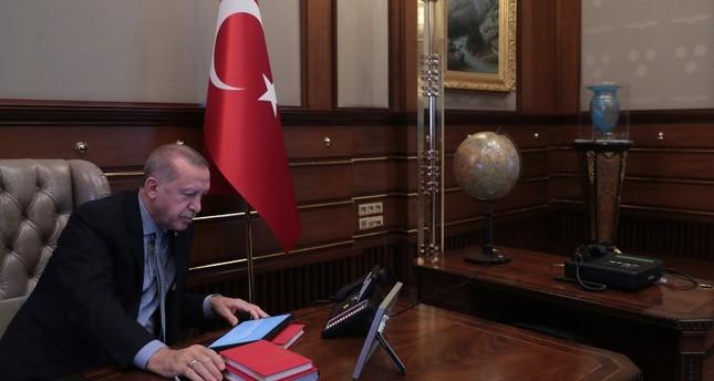 الرئاسة التركية تنشر صور لحظة إعطاء أردوغان أمر البدء بـنبع السلام