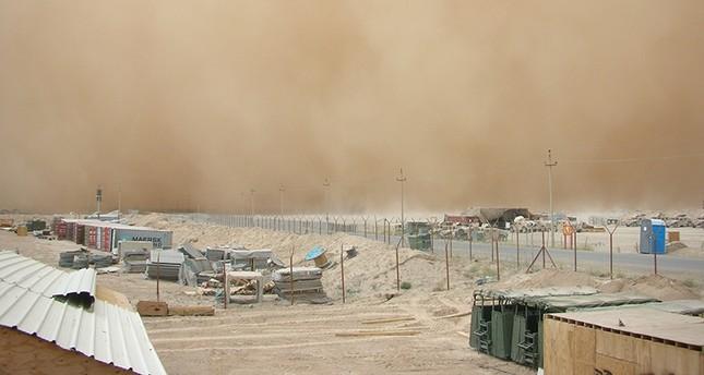 بسبب الغبار.. تعليق الدراسة في غرب السعودية لليوم الثاني