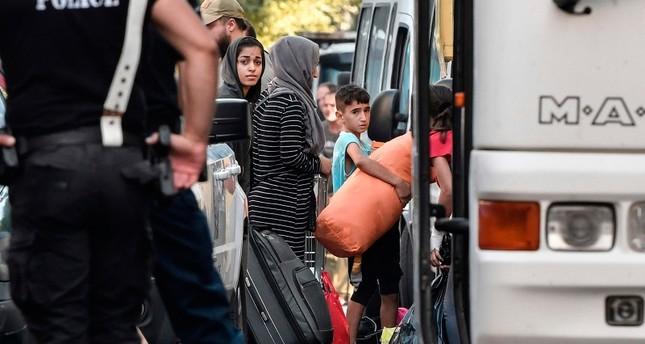 السلطات اليونانية تخلي أكثر من 250 يعيشون في أبنية بشكل غير قانوني (الفرنسية)