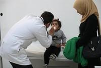 Safa al-Hussein ist froh, mit dem Arzt in ihrer eigenen Sprache sprechen zu können, als sie ihre Tochter Ahed in Ankara zur Untersuchung bringt. In dem Gesundheitszentrum in der türkischen...