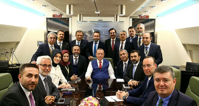 emAA Photo/em