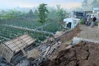 زلزال بقوة 7 درجات يضرب جزيرة إندونيسية والسلطات تحذر من تسونامي
