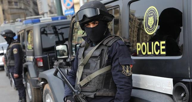 السفارة الأمريكية بالقاهرة تدعو رعاياها لتوخي الحذر إثر حادث بمحيطها