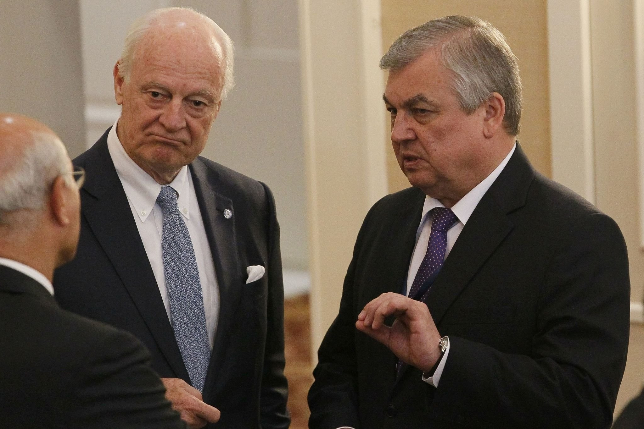 UN Special Envoy for Syria Staffan de Mistura (L) and Russian mediator Alexander Lavrentiev attend the fourth round of Syria peace talks in Astana on May 4, 2017. (AFP Photo)