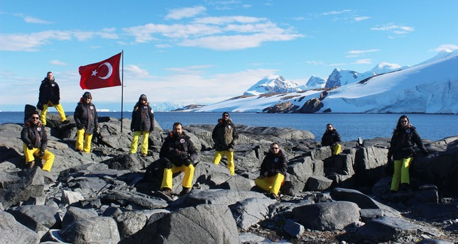 The Turkish team carrying out pre-feasibility studies for the Turkish base in Antarctica. (AA Photo)
