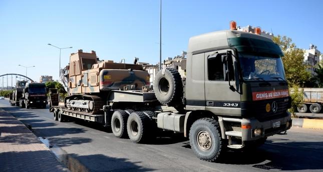 الجيش التركي يرسل تعزيزات إضافية للحدود مع سوريا