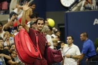 Federer, Sharapova make shock exits from US Open