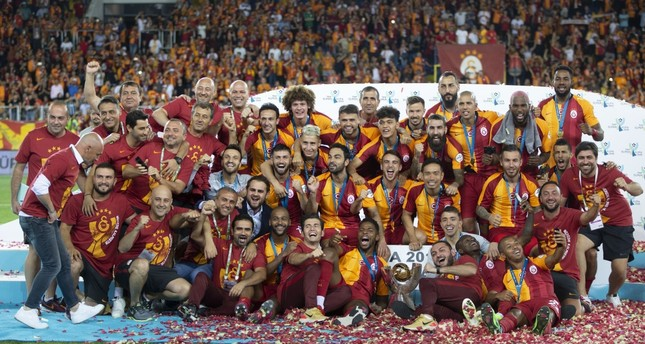 Galatasaray celebrated their victory against Akhisarspor.Belhanda scored the Lions' only goal in the 39th minute.