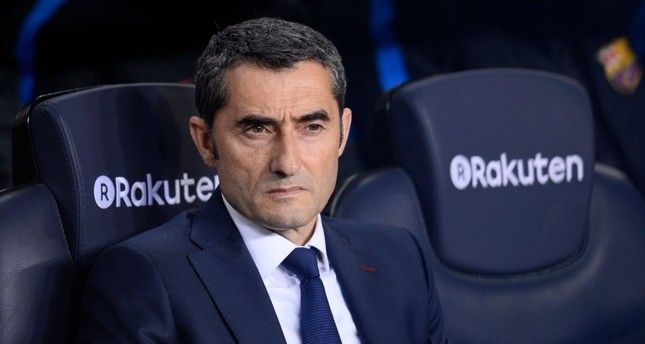 Valverde agrees to coach Barcelona for another season
