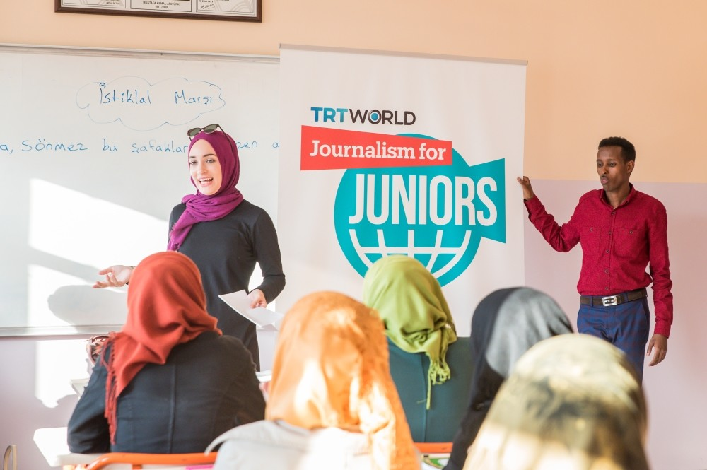 TRT World employees train young Syrians on journalism in a program in Nizip refugee camp.