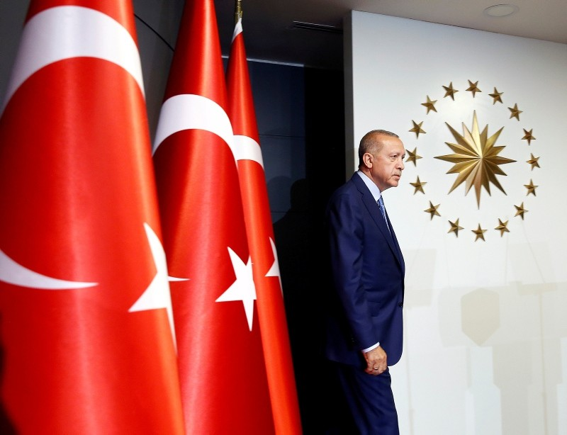 President Erdou011fan walks to the stage in Huber Mansion, Istanbul, June 24, 2018 (Reuters Photo)