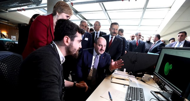 Industry and Technology Minister participated in the opening ceremony of General Electric's new laboratory in the industrial district of Gebze which will design and development activities of aircraft engine components, Nov. 17.