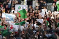 الحراك الجزائري الذي أطاح بالرئيس بوتفليقة من الأرشيف