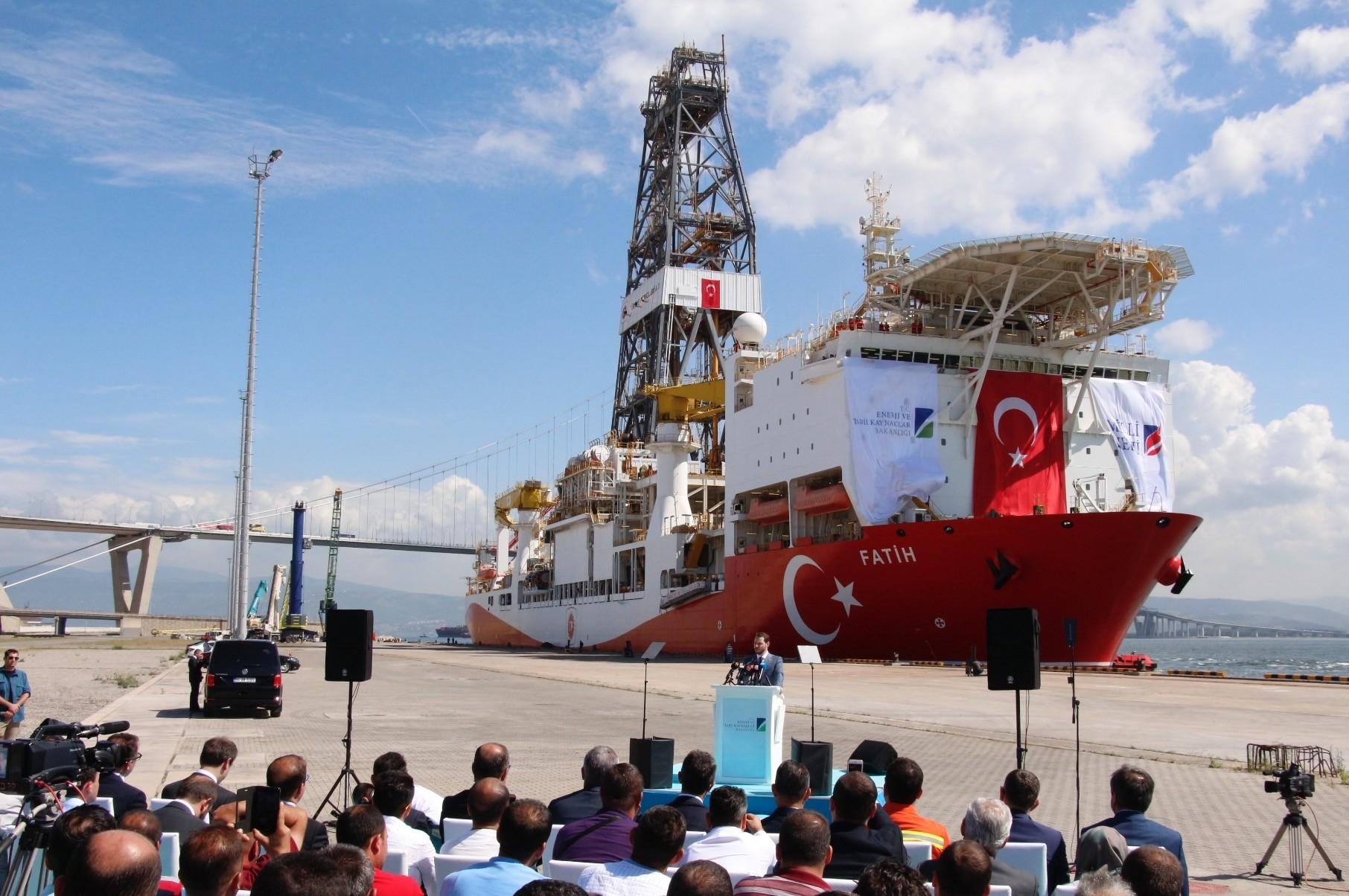 Energy Minister Berat Albayrak addresses press members at the ceremony for Turkeyu2019s first drilling vessel Fatih.