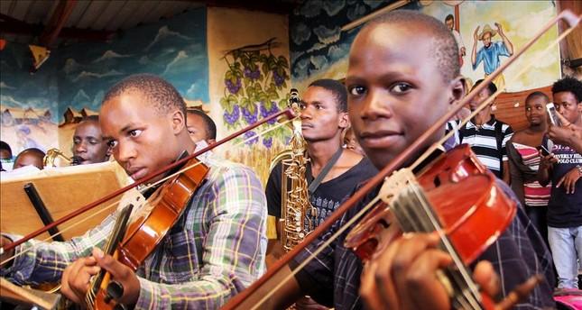 Kenya's slum children encouraged to pursue music