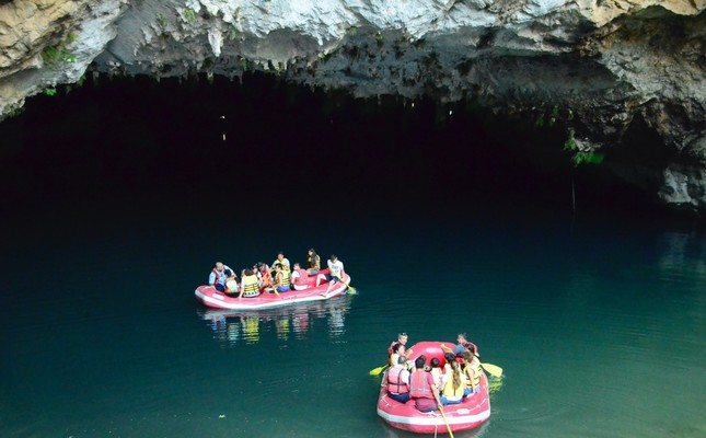 Antalya cave amazes visitors with its beauty
