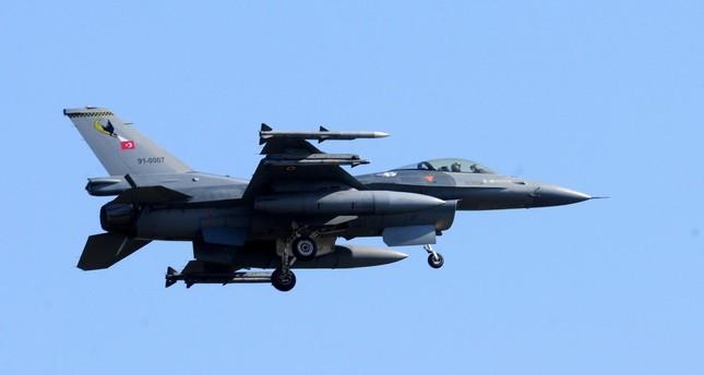 غارات تركية تستهدف لأول مرة مواقع PKK في سنجار العراقية وشمالي سوريا