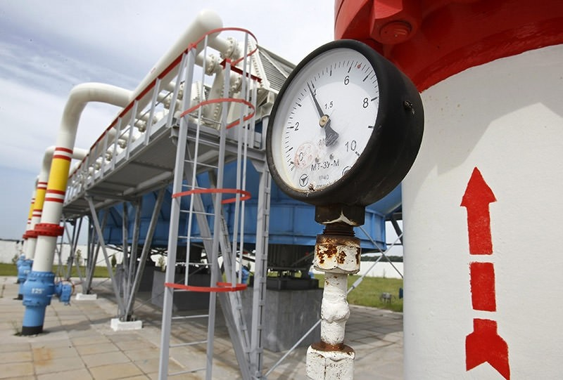 A pressure gauge is seen at an underground gas storage facility in the village of Mryn, 120 km (75 miles) north of Kiev May 21, 2013. (Reuters Photo)