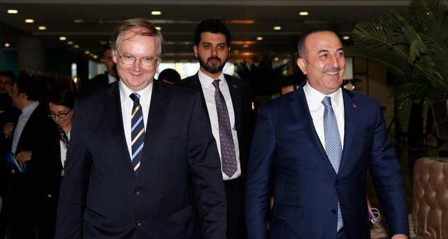 تشاوش أوغلو: أولويتنا إتمام الحوار بشأن رفع تأشيرات دخول الأتراك إلى أوروبا